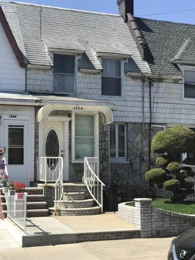 Brooklyn Single Family Home For Sale: 1664 71st Street