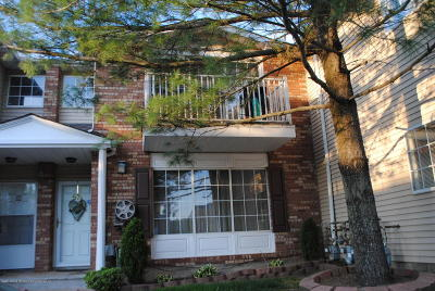 Condo/Townhouse Acceptance: 57 Saturn Lane #A