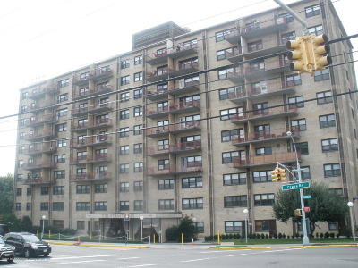 Staten Island Co-op For Sale: 1000 Clove Road #10m