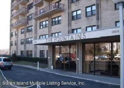 Staten Island Co-op For Sale: 1000 Clove Road #10g