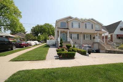 Staten Island Two Family Home For Sale: 203 Westcott Boulevard