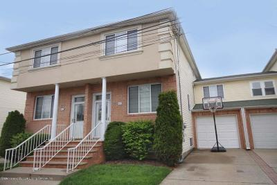 Single Family Home For Sale: 45 Chess Loop