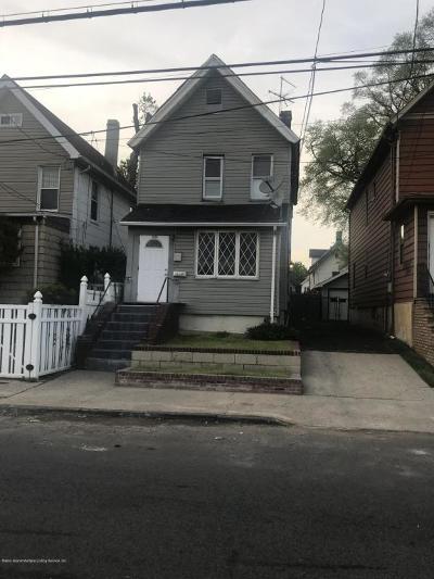 Staten Island Single Family Home For Sale: 1659 Castleton Avenue