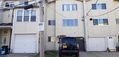 Staten Island Single Family Home For Sale: 41 Mosel Loop