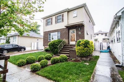 Staten Island NY Single Family Home For Sale: $648,888