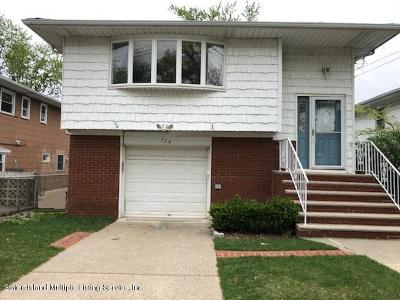 Staten Island NY Single Family Home For Sale: $560,000