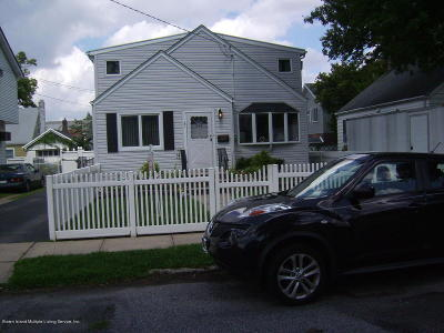Staten Island NY Single Family Home For Sale: $668,000