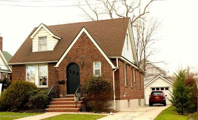 Staten Island NY Single Family Home For Sale: $799,000