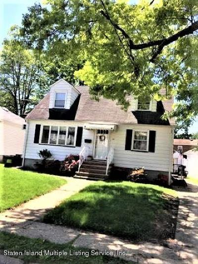 Staten Island NY Single Family Home For Sale: $579,900