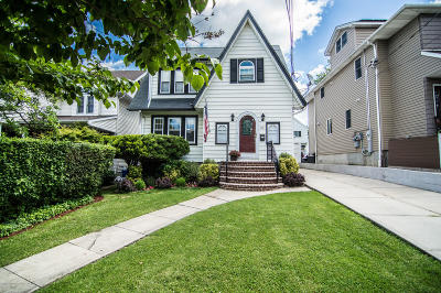 Single Family Home For Sale: 351 Hart Avenue