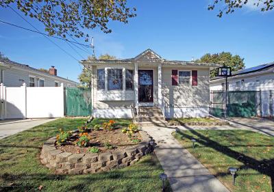 Single Family Home For Sale: 411 Stoneham Street