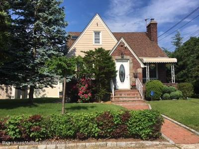 Single Family Home Acceptance: 52 Todt Hill Road