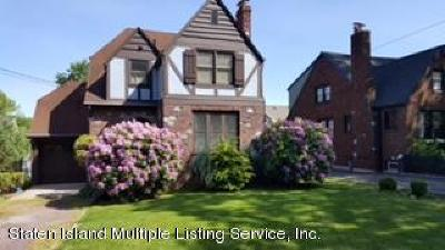 Staten Island NY Single Family Home For Sale: $658,000