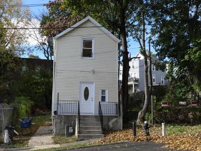 Single Family Home For Sale: 4 Gordon Street