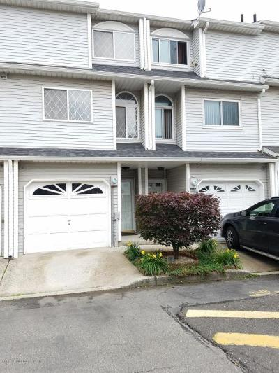 Staten Island Single Family Home For Sale: 79 Simmons Loop
