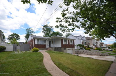 Staten Island Single Family Home For Sale: 308 Ridgecrest Avenue