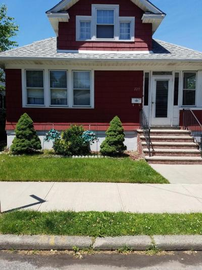Staten Island Single Family Home For Sale: 220 Demorest Avenue