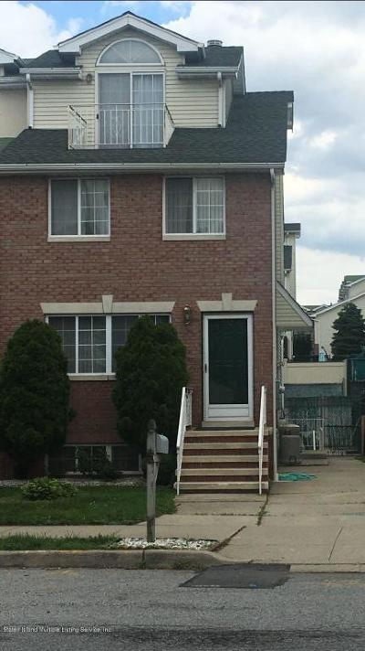 Semi-Attached For Sale: 139 Lewiston Street