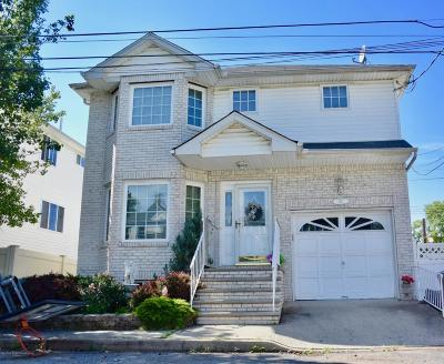 Staten Island Single Family Home For Sale: 92 Meagan Loop