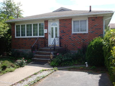 Single Family Home For Sale: 224 Lamport Boulevard