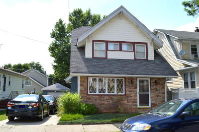 Staten Island Single Family Home For Sale: 298 Neal Dow Avenue