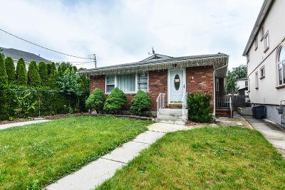 Staten Island Single Family Home For Sale: 21 Keating Street