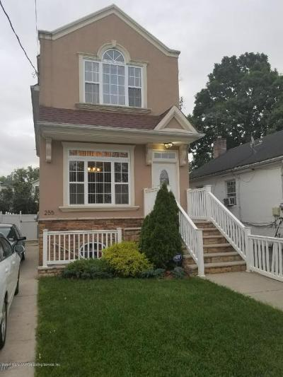 Staten Island NY Single Family Home For Sale: $590,000