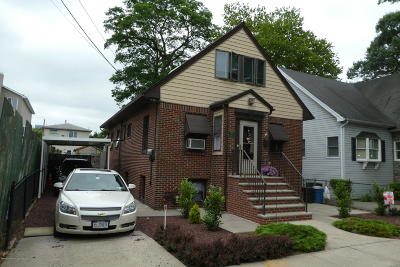 Single Family Home For Sale: 97 Hickory Avenue