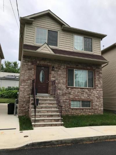 Staten Island NY Single Family Home For Sale: $698,000