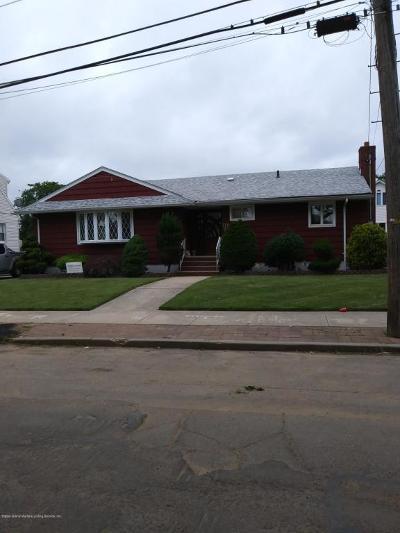 Single Family Home For Sale: 200 Mallory Avenue