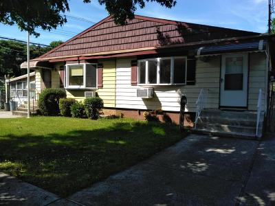 Semi-Attached For Sale: 7 Cannon Boulevard