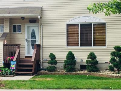 Staten Island Single Family Home For Sale: 15 Wildwood Lane