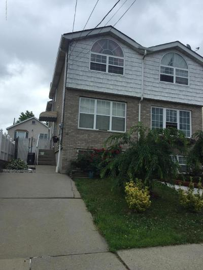 Semi-Attached For Sale: 15 Wellbrook Avenue