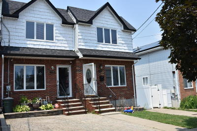 Single Family Home For Sale: 178 Suffolk Avenue