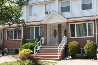 Single Family Home For Sale: 27 Chatham Street
