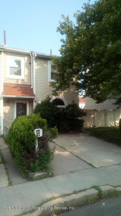 Single Family Home For Sale: 45 Francesca Lane