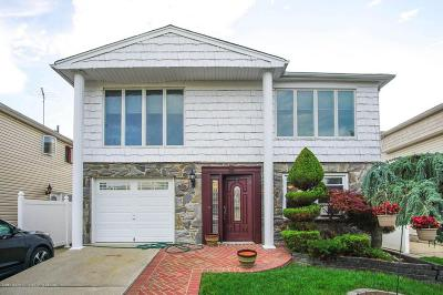 Two Family Home For Sale: 34 Mulberry Circle
