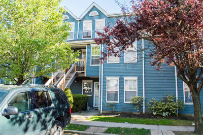 Staten Island Condo/Townhouse For Sale: 227 Pond Way #B