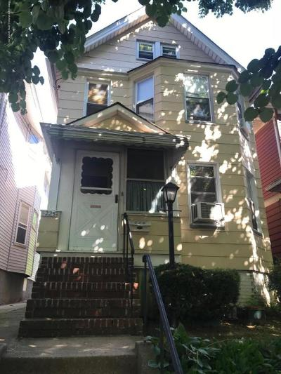 Staten Island Single Family Home For Sale: 225 Treadwell Avenue