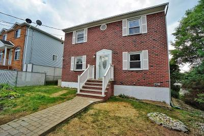 Staten Island Single Family Home For Sale: 170 Suffolk Avenue