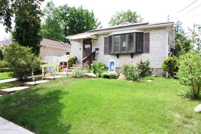 Staten Island NY Single Family Home For Sale: $528,000