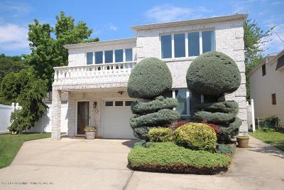 Two Family Home For Sale: 40 Mulberry Circle