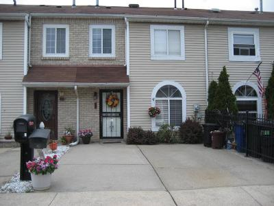 Staten Island Single Family Home For Sale: 59 Adrianne Lane