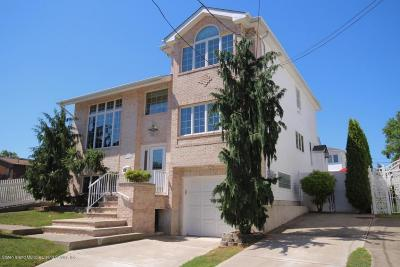 Staten Island NY Two Family Home For Sale: $988,000