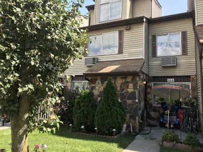 Single Family Home For Sale: 28a Croft Court