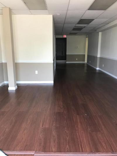 Staten Island Commercial Lease For Lease: 979 Bay Street