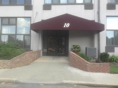 Staten Island Co-op For Sale: 10 Bay Street Landing #4i