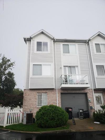 Staten Island Single Family Home For Sale: 30 Hart Loop