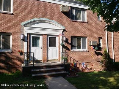 Staten Island Co-op For Sale: 21 Seth Court #B