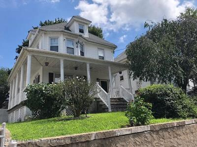 Staten Island NY Single Family Home For Sale: $520,000